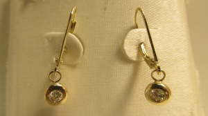 Capital Pawn Gold Diamond earrings