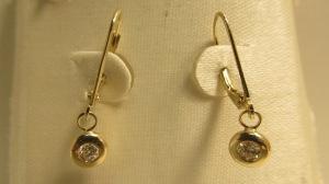 Capital Pawn Gold Diamond earrings